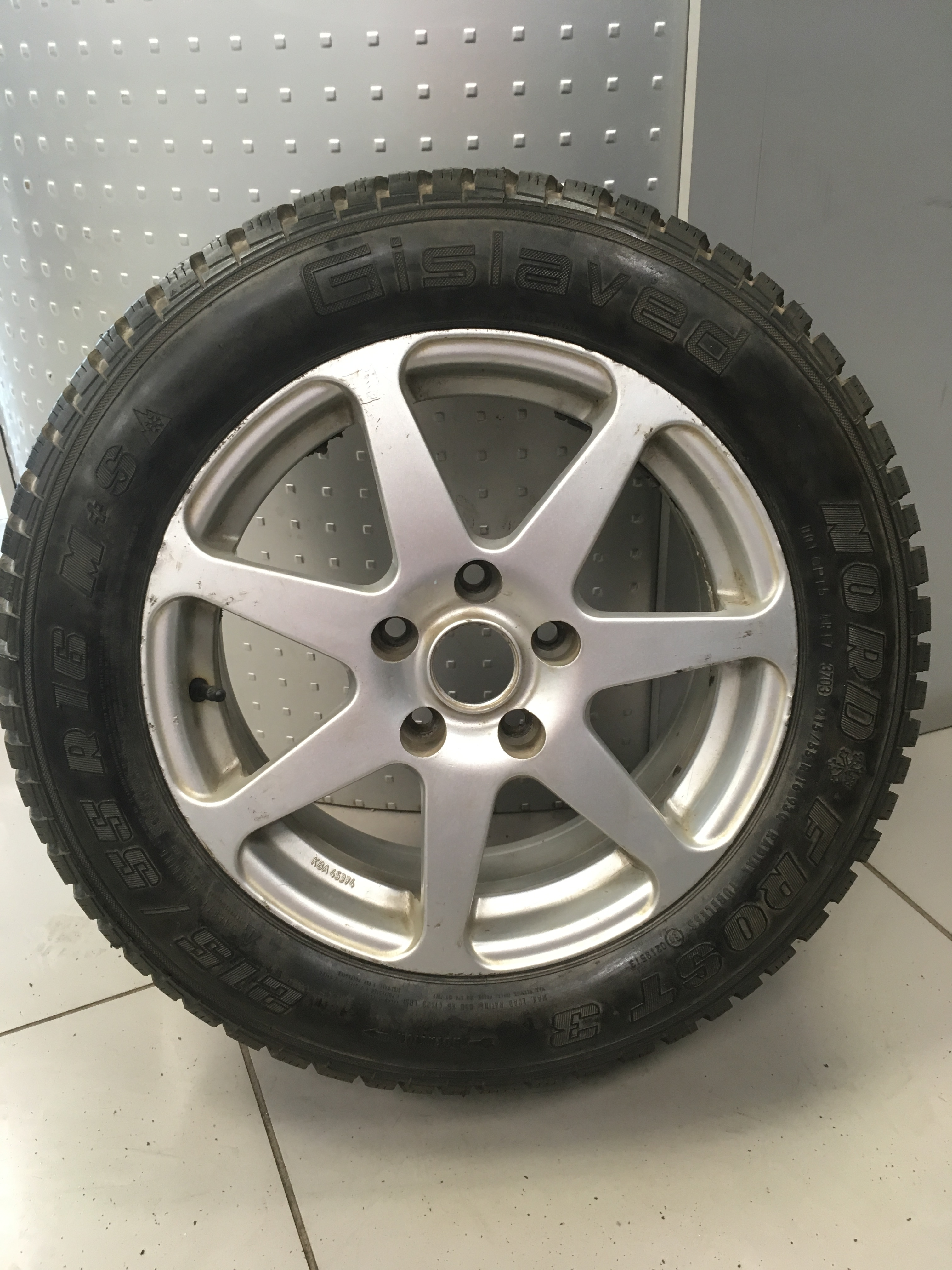 Gislaved / 215/55R16 Gislaved Nord Frost 3 + Диск